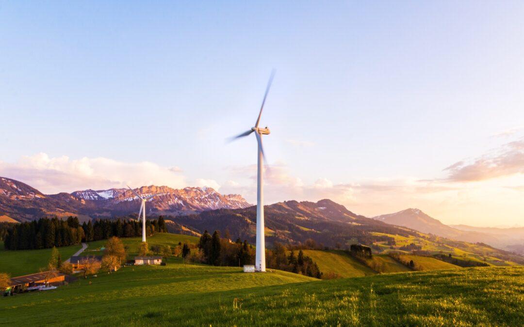 Elettricità: eolico e solare protagonisti del 2020